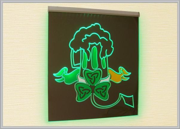 Арилайт - прозрачная акриловая вывеска с подсветкой светодиодами