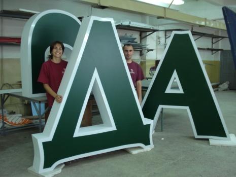 Виробництво об'ємних літер з акрилу