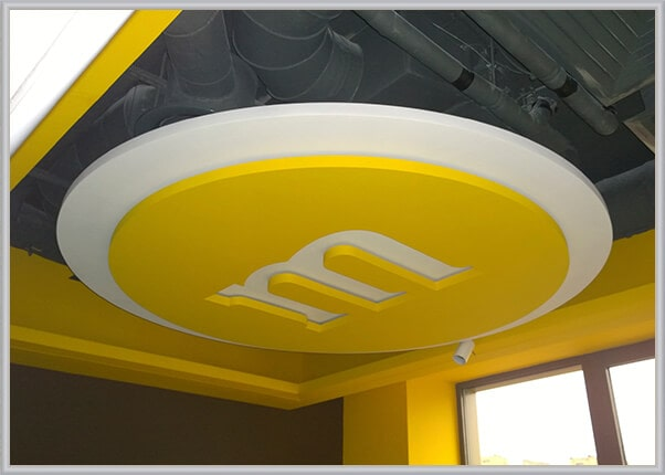 Декорирование потолка офиса
