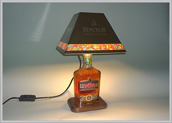 Корпоративний настільний світильник з логотипом