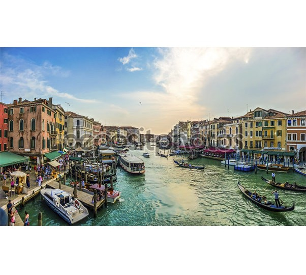 depositphotos_79037638-Panoramic-view-of-famous-canal