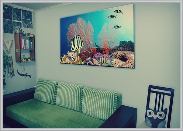 Картина на холсте в спальне