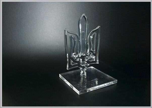 Кубок, статуэтка из акрила, пластика в виде герба Украины