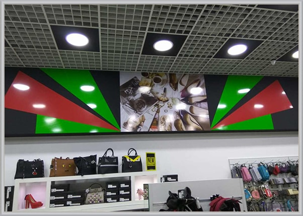 Оформление интерьера в магазине обуви