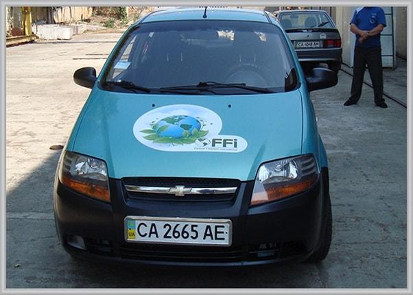 Рекламное оформление легкового автомобиля