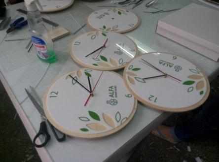 Готові годинники з логотипом