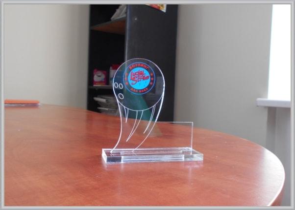 Наградной кубок из прозрачного акрила, оргстекла для боулинг клуба