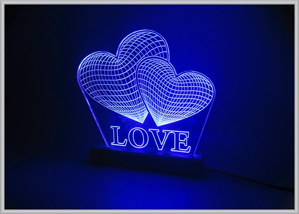 Подарочный акрилайт - настольный светильник-ночник Love в виде сердец