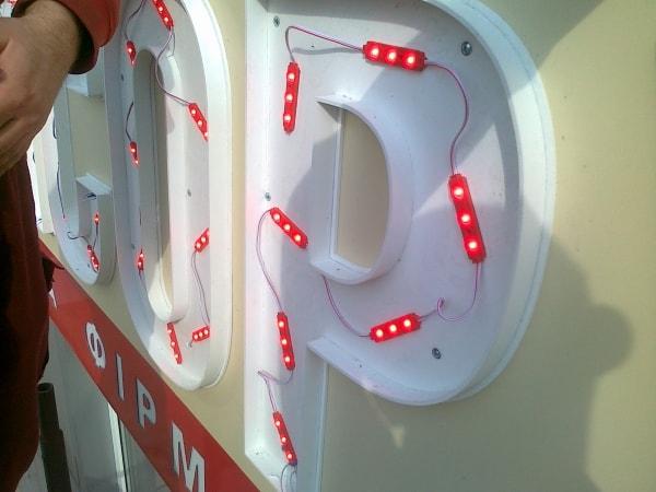 Установка светодиодов в объемную букву