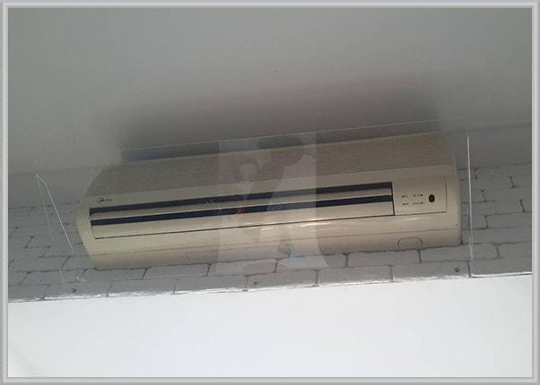 Прозорий дефлектор - захисний екран на кондиціонер