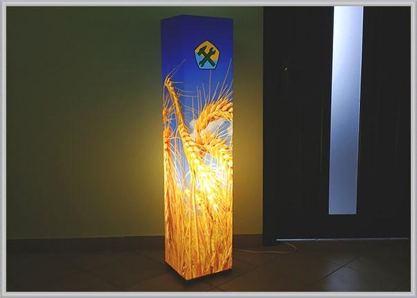 Бізнес подарунок для корпоративного клієнта - дизайнерський світильник із акрила