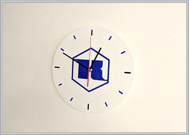 Настенные часы с нанесением логотипа компании