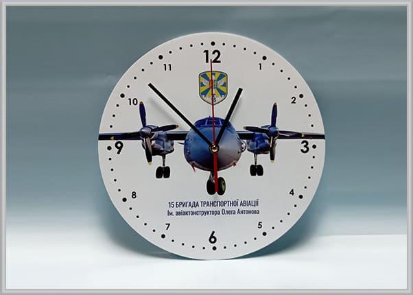 Нанесение, печать изображения, логотипа на настенные часы