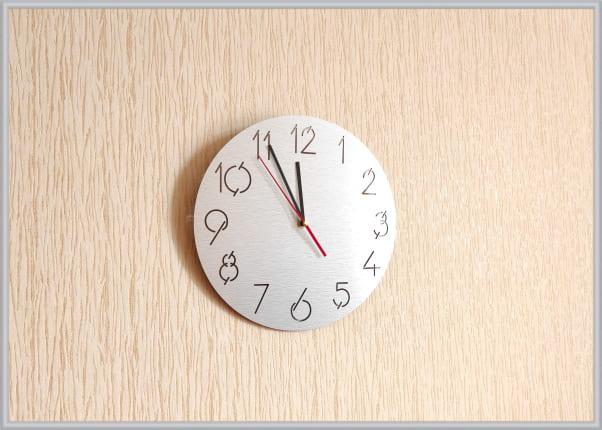 Настенные часы из алюминиевой композитной панели